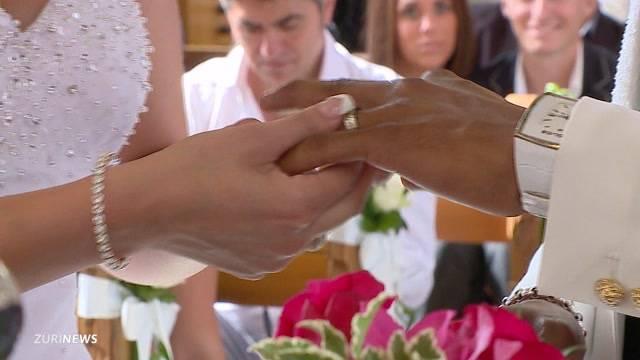 Heiratsstrafe noch nicht vom Tisch