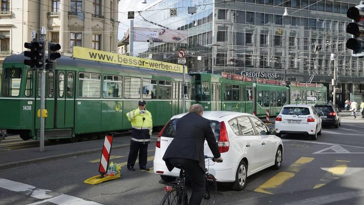 Einen Verkehrssicherheitsplan, der in Basel-Stadt Verkehrsunfälle reduzieren soll, hat die Regierung vom Massnahmenpaket zur «strategischen Leitlinie» zurückgestuft. (Archiv)