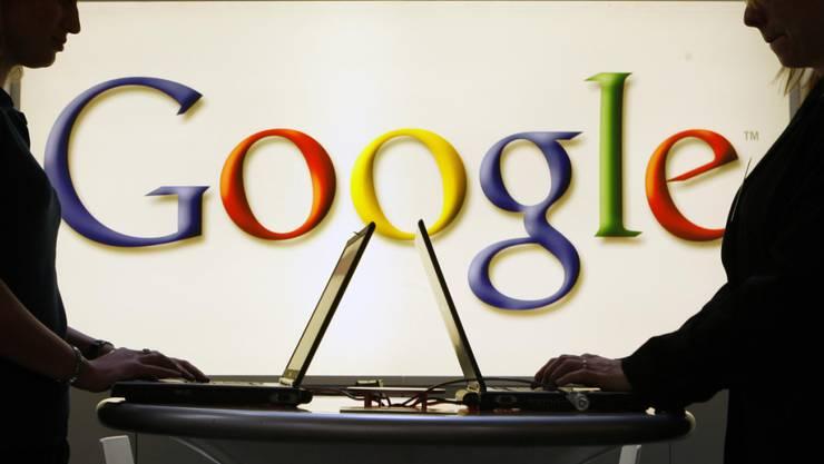 Obschon die Google-Mutter Alphabet die Rekordstrafe der EU-Kommission anfechten will, wurde sie in der Bilanz bereits verbucht. (Archivbild)
