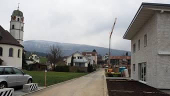 Am Kirchweg wurden bereits einige Gebäude erstellt.