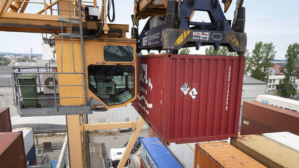 Der Welthandel zieht laut UN-Bericht wieder an, aber Risiken bleiben. (Archiv)