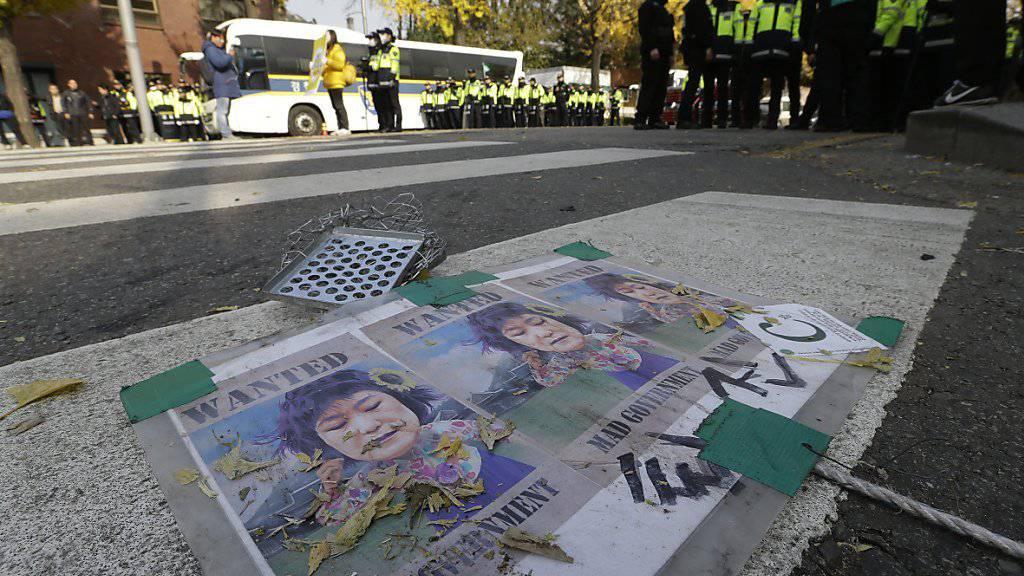 Südkoreas Präsidentin Park Geun Hye verliert zunehmend den Sukkurs im Lande.