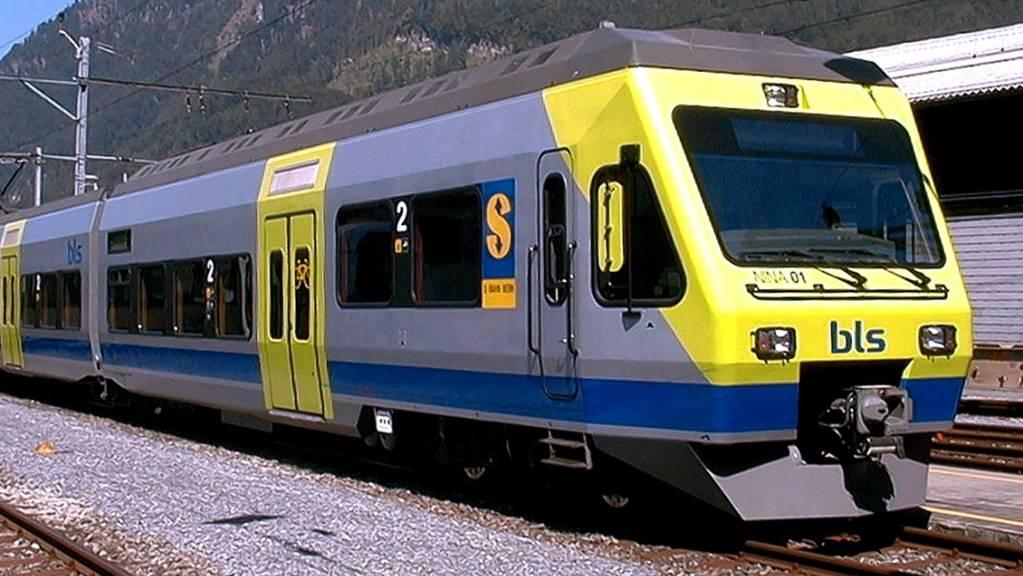 Die BLS muss Klima-Anlagen in 27 BLS-Zügen reparieren. (Archivbild)