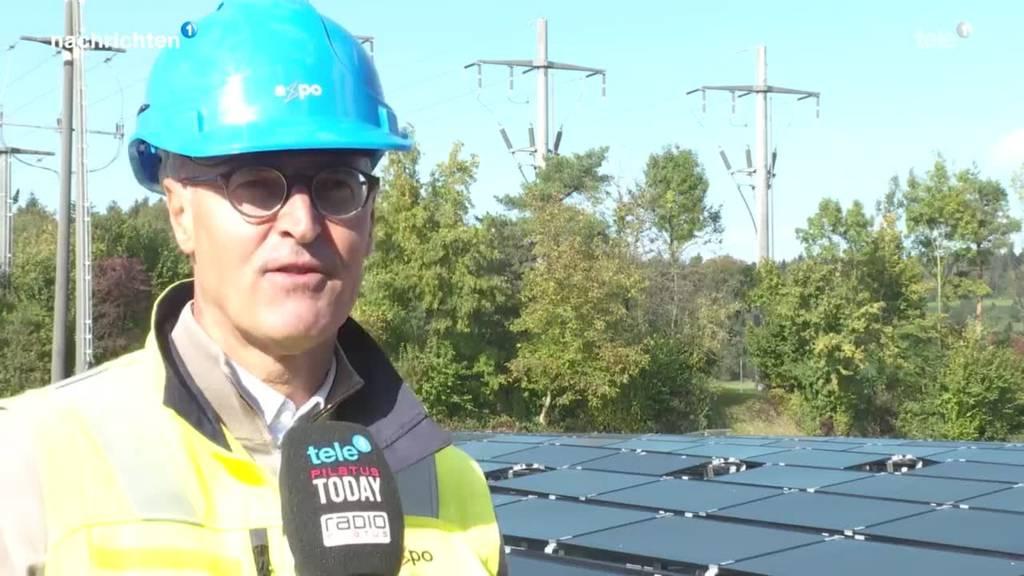 Neue Solaranlage mit Boden-Pannels in Baar