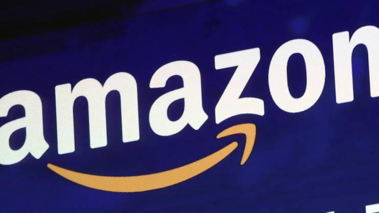 Der Amazon-Konzern hat ein vorzügliches Geschäftsquartal verzeichnet - allerdings enttäuscht der Online-Handelsriese die Finanzwelt mit seinem Ausblick auf das Weihnachtsgeschäft. (Archivbild)