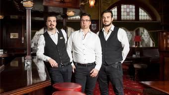 Jonathan, Vito und Davide Critti im Diana Pub in Turgi.