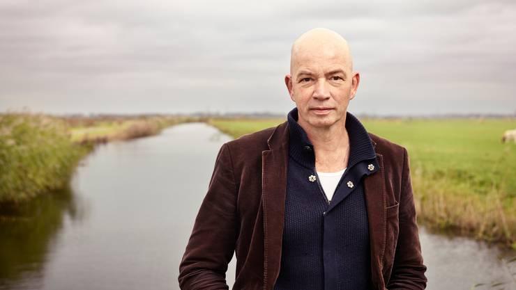 Der holländische Autor Tommy Wieringa, 52, serviert das Dorfleben mit bitterem Befund.