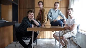 Die Pedestrians: Mike, Loic, Sascha und Davis in ihrem Band-Haus. Es fehlt Raphael.