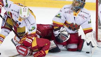 Auch Biel Goalie Jonas Hiller kann den zweiten Saisonsieg der Langnauer nicht verhindern