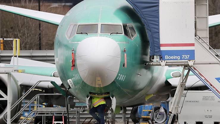 Der US-Flugzeughersteller Boeing hat eine Milliarden-Kreditlinie bereits vollständig ausgeschöpft und bemüht sich um Staatshilfen. (Archivbild)