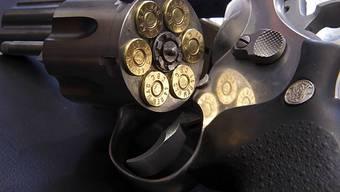 Vor allem Männer greifen beim Suizid zur Schusswaffe