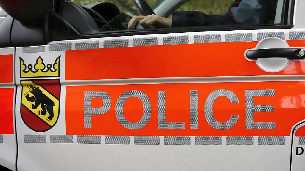 Die Kantonspolizei Bern stand am Samstag in Huttwil in einem Grosseinsatz, nach dem ein verdächtiger Gegenstand auf einem öffentlichen Platz gesichtet worden war. (Symbolbild)