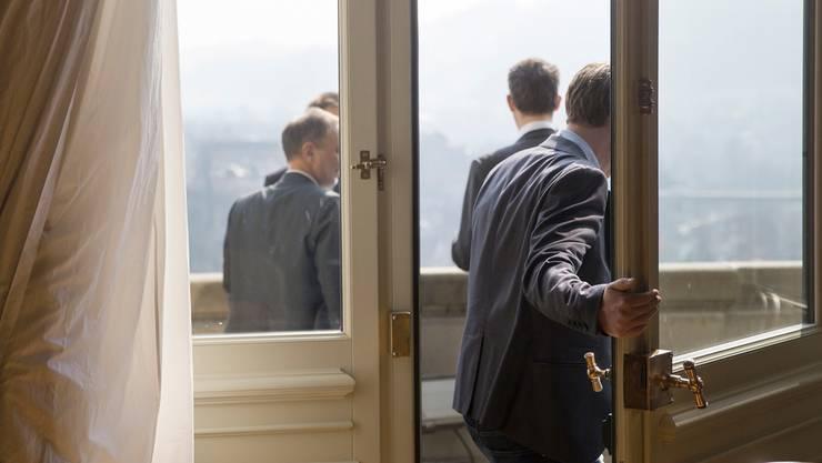 Bundeshaus, Balkon der Wandelhalle: Hier trifft sich die Politikmit der Wirtschaftslobby.