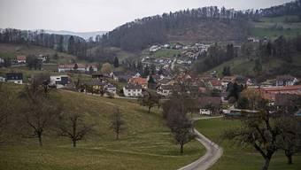 Vor einem Jahr hat sich die Zullwiler Bevölkerung dafür entschieden, dass die Gemeindeverwaltung im Dorf bleiben soll. Trotzdem befindet sich die Einwohnerkontrollle neu in Nunningen.