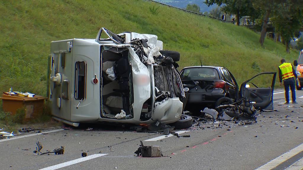 Auto geriet auf Gegenfahrbahn: Drei Schwerverletzte bei Frontalkollision in Roggwil (TG)