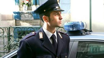 Ein Polizist in Neapel (Symbolbild)