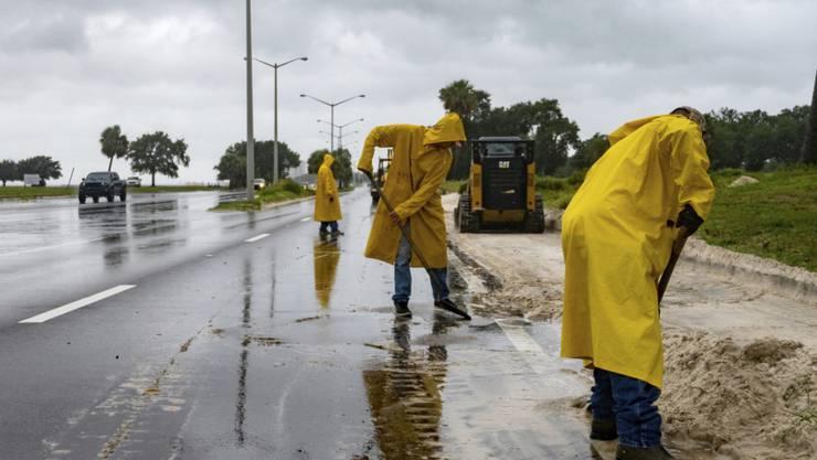 Hurrikan «Sally» hat auf seinem Weg in Richtung der US-Golfküste weiter an Kraft gewonnen. Der Wirbelsturm wurde auf einer Skala von eins bis fünf auf einen Hurrikan der Kategorie zwei hochgestuft. Foto: Lukas Flippo/The Sun Herald/AP/dpa