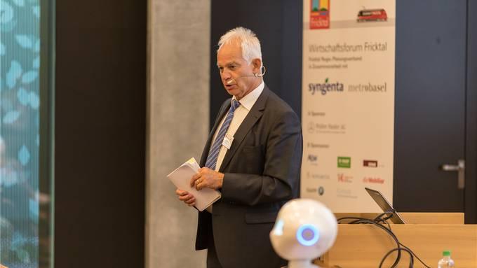 Christian Fricker, Präsident des Planungsverbandes Fricktal Regio, eröffnete das Wirtschaftsforum. Alex Uehlinger