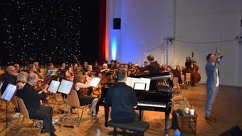 Das Stadtorchester Schlieren trumpft mit Rolf Sommer auf.