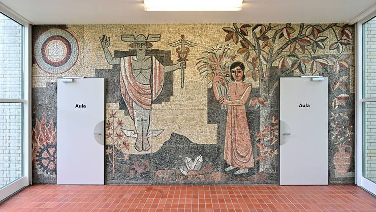 Das Mosaik wurde vor knapp 65 Jahren bei der Einweihung des Berufsschulhauses 1955 enthüllt.