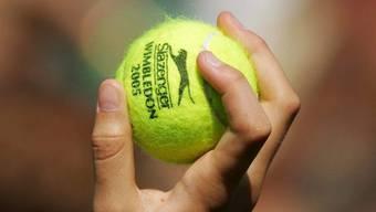 Tennisbälle haben einen langen Weg hinter sich, bis sie in Wimbledon endlich zum Einsatz kommen.