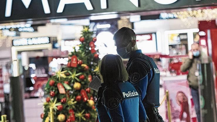 Der Tatort: Wahnsinnstat mitten im Weihnachtsshopping.