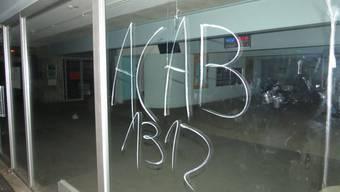 Schmierereien an Badener Schulhaus Pfaffenkappe