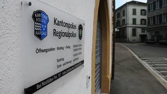 Polizeiposten in Klingnau: Die Schalter-Öffnungszeiten wurden bereits reduziert und werden seit Sommer allein von der Regionalpolizei bereitgestellt.