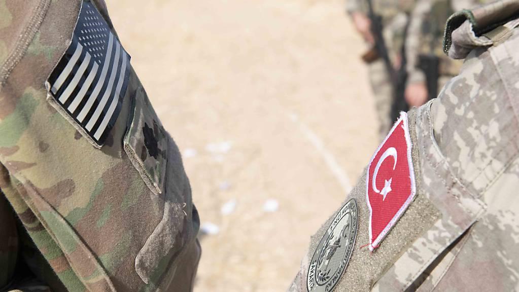 Die USA übergeben die Gebiete in Nordsyrien militärisch an die Türkei. Diese hat eine «Anti-Terror-Offensive» angekündigt. (Themenbild)