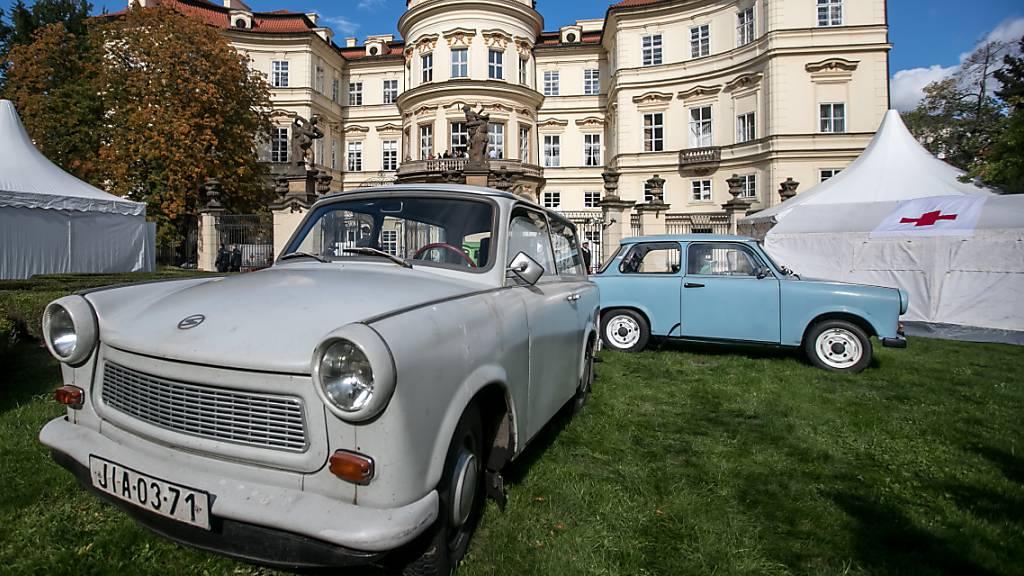 Genschers Balkonrede vor 30 Jahren: Prag feiert und erinnert