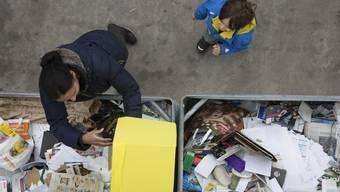 Nach den Festtagen: Impressionen aus dem Recylcling-Paradies in Hunzenschwil