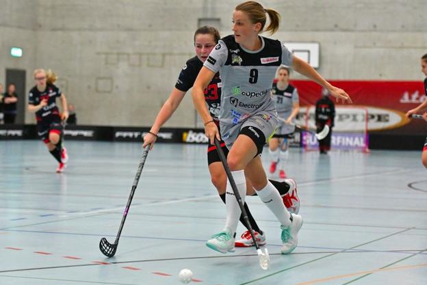 In Neuenburg trifft die aus dem Kanton Solothurn stammende Spielerin mit ihren Teamkolleginnen auf die Gruppengegner Deutschland, Finnland und Polen.