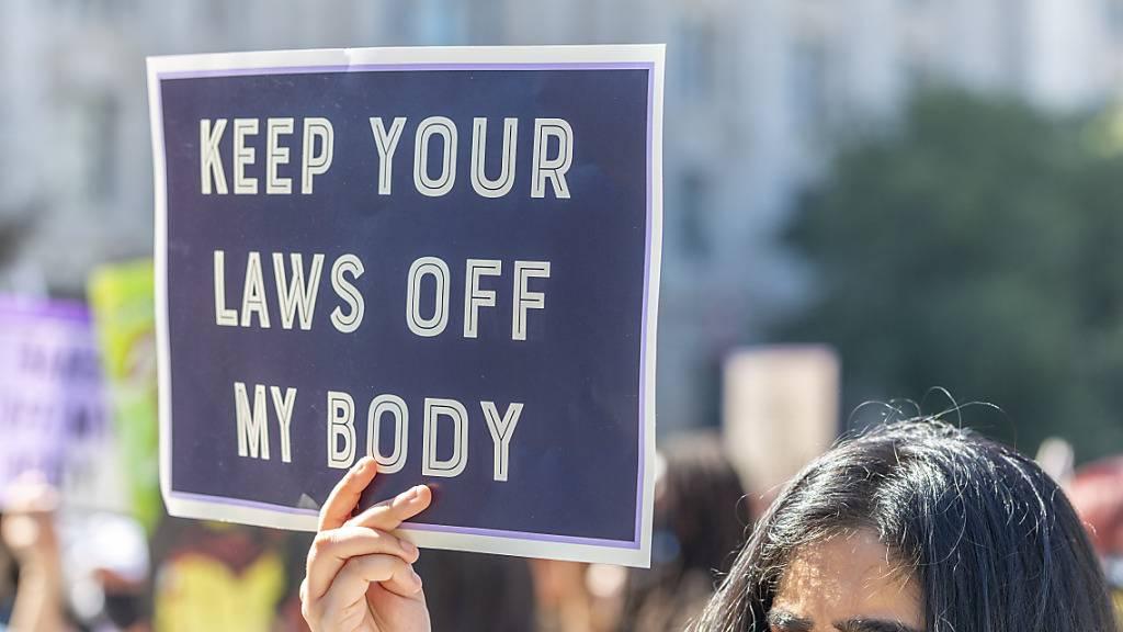 Kampf um Recht auf Abtreibung - US-Gericht stoppt Herzschlag-Gesetz