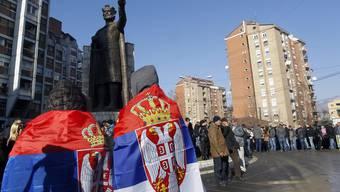 Serbischer Provokationszug