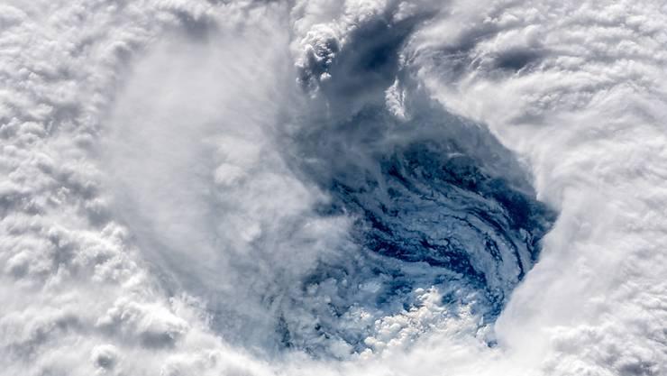 "Satellitenaufnahme des Hurrikans ""Florence"" über dem Atlantik."
