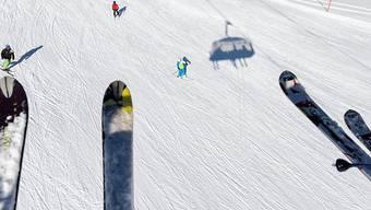 Etwa 30 Personen sassen auf dem Sessellift auf die Totalp im Parsenngebiet in Davos, als plötzlich wegen eines technischen Defekts nichts mehr ging. Etwa 90 Minuten mussten Wintersportlerinnen und Wintersportler auf den Sesseln ausharren, ehe die Rettung nahte. (Themenbild)