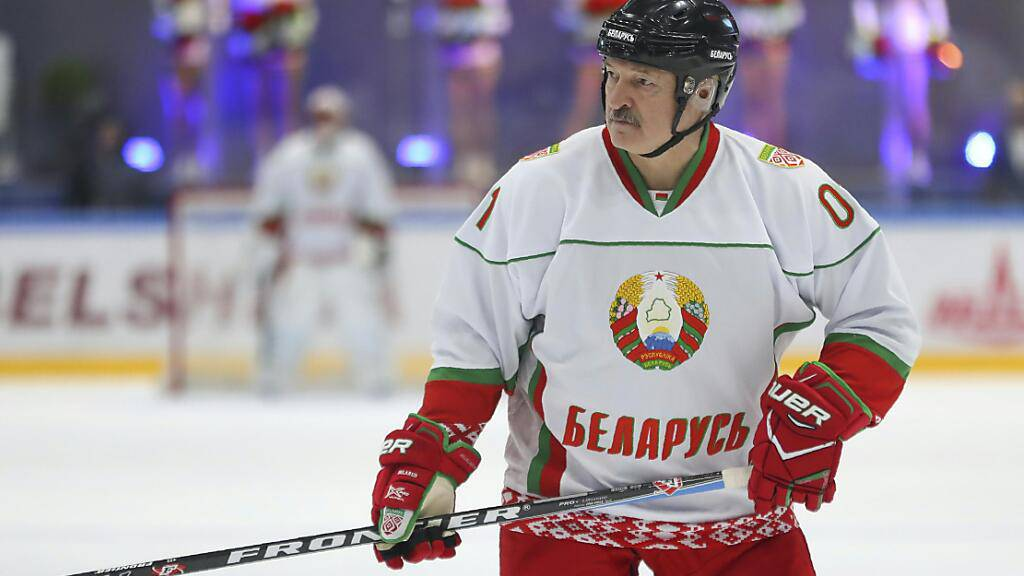 Der belarussische Matchinhaber Alexander Lukashenko ist ein bekennender Eishockey-Fan