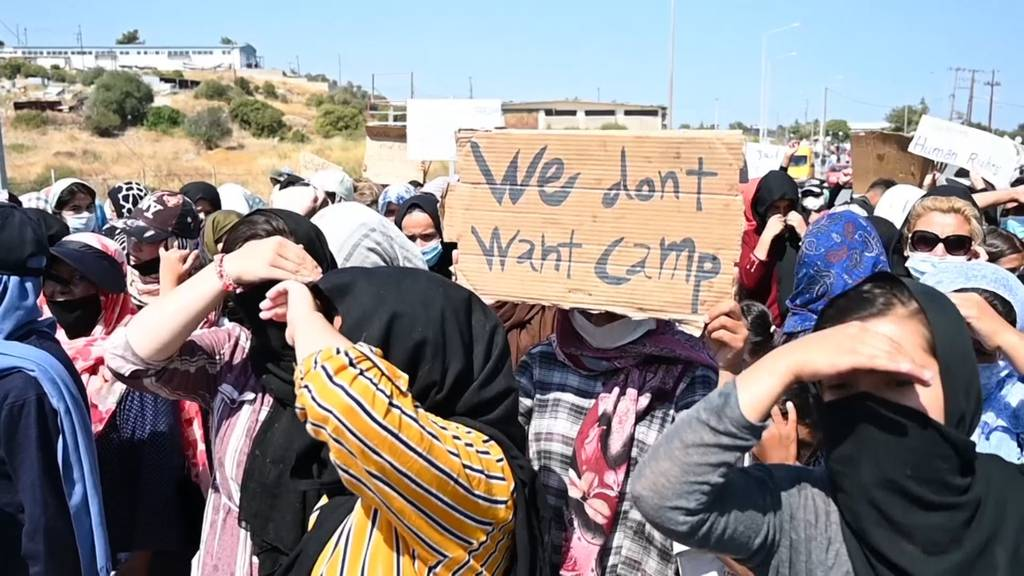 Erst 800 Migranten in neuem Zeltlager auf Lesbos