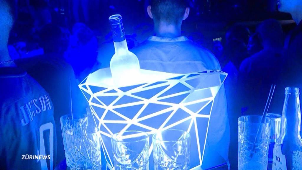 Nachtclubs bleiben trotz steigenden Corona-Fallzahlen offen