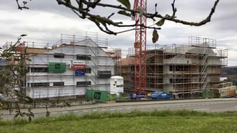 Die neue Überbauung auf dem Areal Kellerämterhof in Oberlunkhofen. Bald kehrt neues Leben in diesen Dorfteil ein.