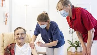 Vor einer Woche erhielten die 14 Bewohner des Bergdietiker Wohn-Pflegeheims Egelsee die erste Covid-Impfung.