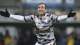 Sions Stürmer Theofanis Gekas jubelt nach seinem Tor zum 1:0 gegen Schaffhausen