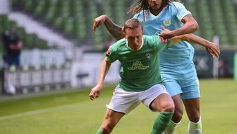 Kevin Mbabu bot beim Sieg von Wolfsburg in Bremen eine gute Leistung und leitete den Siegtreffer ein