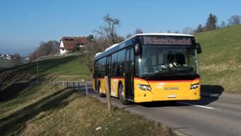 Das Postauto auf dem Weg zur letzten Ruedertaler Haltestelle «Schiltwald». Alex Spichale