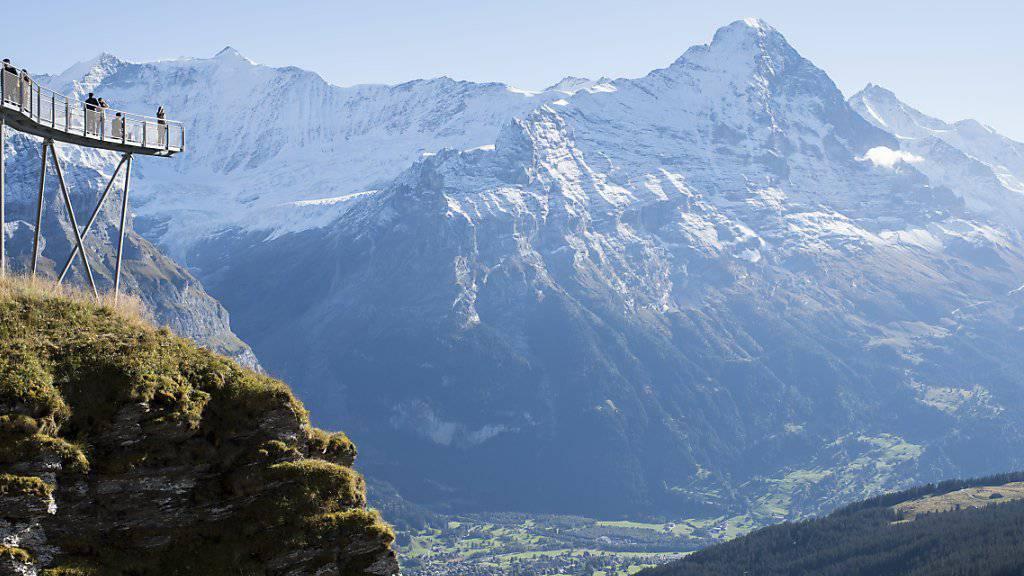 Der Eiger mit den Hörnli im Vordergrund von Grindelwald-First aus gesehen. (Archivbild)