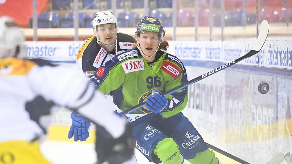 Stürmer Chris Egli, der «Mann aus Sursee des Eishockeys», erzielte zwei der drei Davoser Tore gegen Ambri-Piotta.