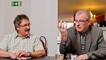Einwohnerrat oder Gemeindeversammlung? Der Grünliberale Roland Agustoni (links) und der SVP-Vertreter Daniel Vulliamy kreuzen die Klingen.