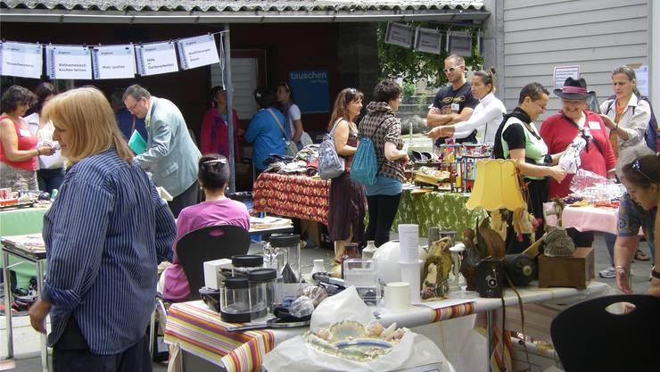 Vietnamesisch lernen, Holz spalten, Gartenarbeiten: Der Tauschmarkt bietet weitaus mehr als ein Flohmarkt.zvg