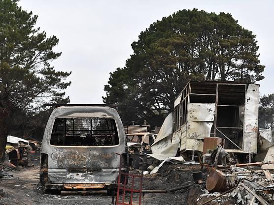 Wie nach einem Terroranschlag: Die Flammen hinterlassen ein Bild der Zerstörung.