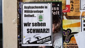 Bereits machen Einwohner von Bettwil mobil gegen die Unterbringung. Das Plakat wurde inzwischen entfernt.